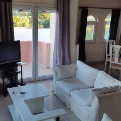 Отель Seaview Villa Near Athens Airport 3* Вилла с различными типами кроватей фото 5