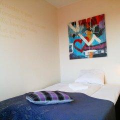 Отель Marken Guesthouse Стандартный номер фото 7