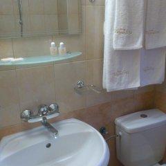 Отель Yagodina Family Hotel Болгария, Чепеларе - отзывы, цены и фото номеров - забронировать отель Yagodina Family Hotel онлайн ванная