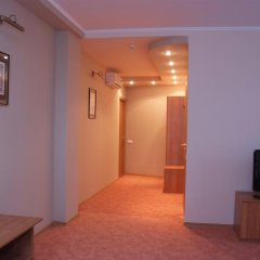 Гостиница Италмас Стандартный номер 2 отдельными кровати фото 5