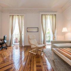 Отель Apartamento Alcalá 55 Испания, Мадрид - отзывы, цены и фото номеров - забронировать отель Apartamento Alcalá 55 онлайн комната для гостей фото 2