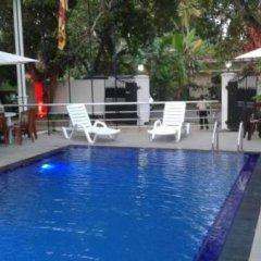 Отель Mahakumara White House Hotel Шри-Ланка, Калутара - отзывы, цены и фото номеров - забронировать отель Mahakumara White House Hotel онлайн бассейн фото 2