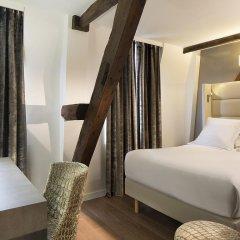 Отель Hôtel Jacques De Molay 3* Улучшенный номер с различными типами кроватей фото 2