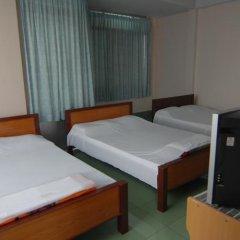Отель Vy Khanh Guesthouse комната для гостей фото 4
