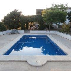Отель Cal Peret Parera бассейн
