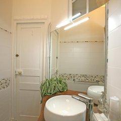 Отель Large 2 Bedrooms Latin Quarter (338) ванная