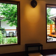 Отель The Place Seoul Hanok Guesthouse комната для гостей