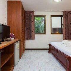 Отель Karon Sunshine Guesthouse & Bar 3* Стандартный номер с различными типами кроватей фото 5