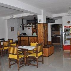 Отель Maya Hostel Berat Албания, Берат - отзывы, цены и фото номеров - забронировать отель Maya Hostel Berat онлайн питание фото 2