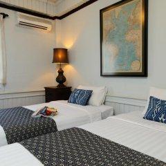 Отель Cafe de Laos Inn 3* Улучшенный номер с двуспальной кроватью фото 3