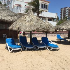 Отель Maz4you Beachfront Condo пляж