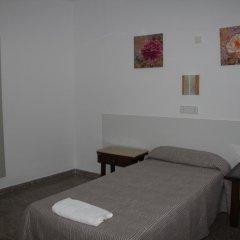 Отель Hostal Las Nieves Стандартный номер с различными типами кроватей (общая ванная комната) фото 14