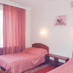 Гостиница Жовтневый 2* Улучшенный номер разные типы кроватей фото 2