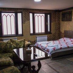 2x2 Cinema-Bar Hotel & Tours Семейный люкс с двуспальной кроватью фото 6