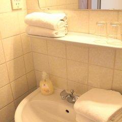 Отель Snooze Guesthouse Австрия, Зальцбург - отзывы, цены и фото номеров - забронировать отель Snooze Guesthouse онлайн ванная фото 2