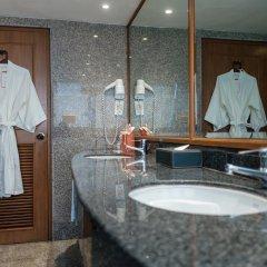 Boulevard Hotel Bangkok 4* Семейный номер Делюкс с двуспальной кроватью