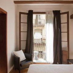 Отель Chic & Basic Born Boutique Hotel Испания, Барселона - отзывы, цены и фото номеров - забронировать отель Chic & Basic Born Boutique Hotel онлайн балкон