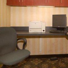 Отель Hampton Inn by Hilton Pawtucket сейф в номере