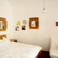 Апартаменты Pod Slovany Apartment Прага комната для гостей фото 3