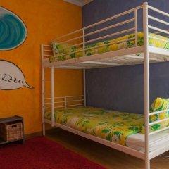 Отель Ericeira Surf Camp 2* Кровать в общем номере двухъярусные кровати фото 24