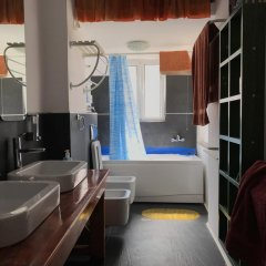 Отель 5th Avenue Албания, Саранда - отзывы, цены и фото номеров - забронировать отель 5th Avenue онлайн ванная