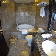 Отель Xiamen Wanjia International Hotel Китай, Сямынь - отзывы, цены и фото номеров - забронировать отель Xiamen Wanjia International Hotel онлайн ванная