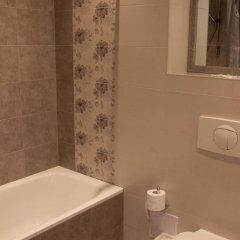 Отель Guesthouse Ameda Литва, Вильнюс - отзывы, цены и фото номеров - забронировать отель Guesthouse Ameda онлайн ванная