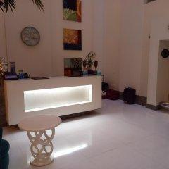 Отель The Ashtan Sarovar Portico Индия, Нью-Дели - отзывы, цены и фото номеров - забронировать отель The Ashtan Sarovar Portico онлайн интерьер отеля фото 2