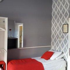 Отель Durban Residence 3* Стандартный номер с 2 отдельными кроватями (общая ванная комната) фото 4