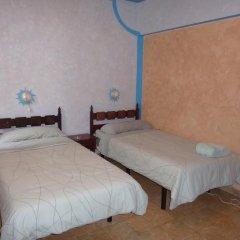 Отель Pensión Sea of Clouds Стандартный номер с 2 отдельными кроватями (общая ванная комната)