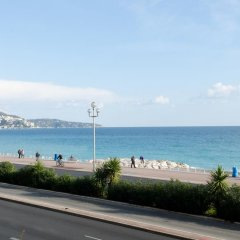 Апартаменты Cariatides Studio Promenade Holiday пляж