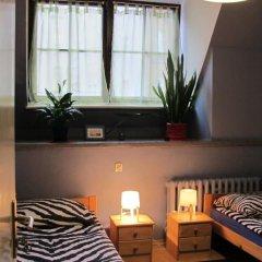 Hostel Universus i Apartament Стандартный номер с 2 отдельными кроватями фото 8