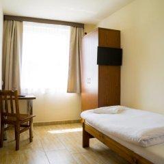 Отель Kompleks Hotelarski Zgoda Стандартный номер с 2 отдельными кроватями (общая ванная комната) фото 3