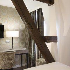 Отель Hôtel Jacques De Molay удобства в номере фото 2