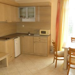 Отель Aparthotel Kamelia Garden - Official Rental Солнечный берег в номере фото 2