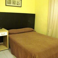 Отель Hostal Baires Стандартный номер двуспальная кровать фото 3