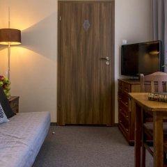 Отель Rezydencja Sienkiewiczówka 3* Номер категории Премиум с различными типами кроватей фото 7