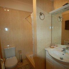 Отель Onda Moura Португалия, Виламура - отзывы, цены и фото номеров - забронировать отель Onda Moura онлайн ванная