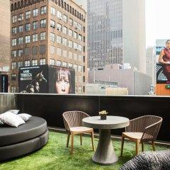 Renaissance New York Times Square Hotel 4* Стандартный номер с различными типами кроватей фото 11