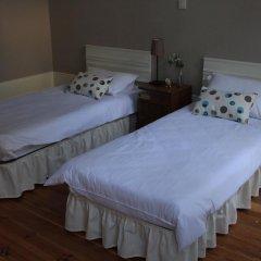 Being Porto Hostel Стандартный номер с различными типами кроватей (общая ванная комната)