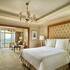 Four Seasons Hotel Cairo at Nile Plaza 5* Номер Премьер с двуспальной кроватью фото 2