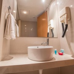 Отель Tsokkos Gardens Hotel Кипр, Протарас - 1 отзыв об отеле, цены и фото номеров - забронировать отель Tsokkos Gardens Hotel онлайн ванная