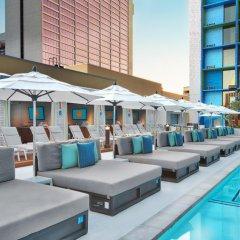 Отель The LINQ Hotel & Casino США, Лас-Вегас - 9 отзывов об отеле, цены и фото номеров - забронировать отель The LINQ Hotel & Casino онлайн бассейн