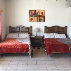 Hotel Doña Crucita 2* Номер с общей ванной комнатой с различными типами кроватей (общая ванная комната) фото 3