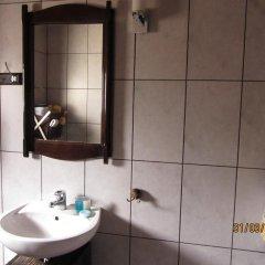 Отель House for Friends Guest House Болгария, Велико Тырново - отзывы, цены и фото номеров - забронировать отель House for Friends Guest House онлайн ванная фото 2