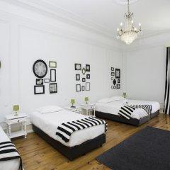 Отель Typical Lisbon Guest House Стандартный номер с различными типами кроватей фото 7
