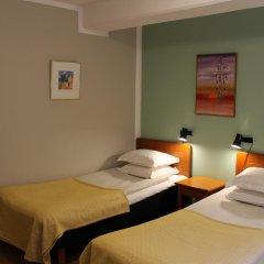 Отель Teaterhotellet Швеция, Мальме - 1 отзыв об отеле, цены и фото номеров - забронировать отель Teaterhotellet онлайн комната для гостей фото 4
