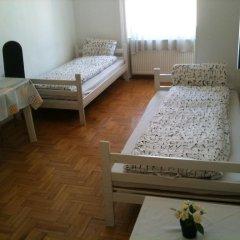 Апартаменты Caterina Private Rooms and Apartments Стандартный номер с различными типами кроватей (общая ванная комната) фото 12