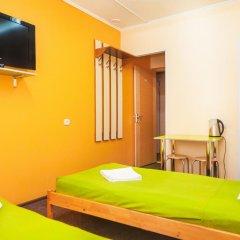 Хостел Миллениум Стандартный номер с 2 отдельными кроватями фото 3