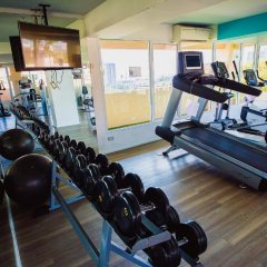 Отель Atlantis Condo Jomtien Pattaya By New Паттайя фитнесс-зал